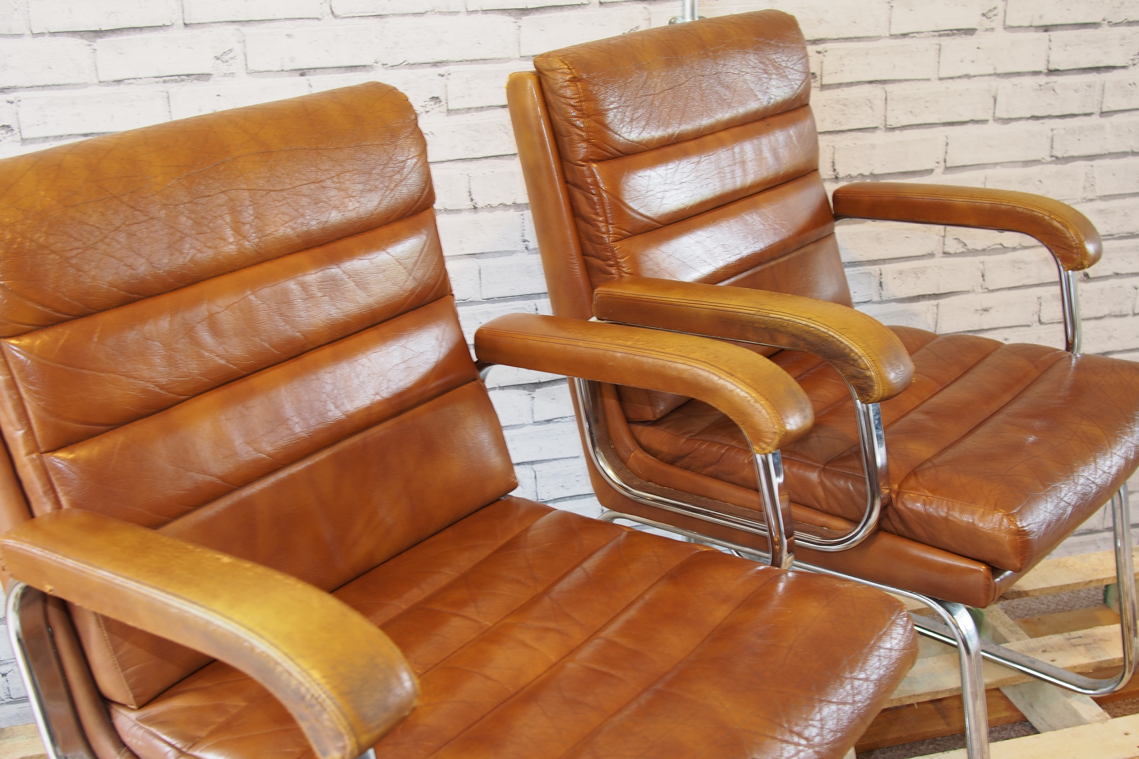 vintage verco leather and chrome chairs heavenly metal